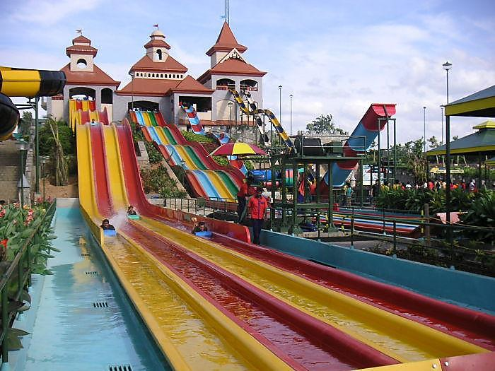 best water park in India Wonder la Kochi
